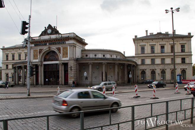 Prace na placu Orląt Lwowskich prowadzone przez firmę Ziajka rozpoczęły się jesienią
