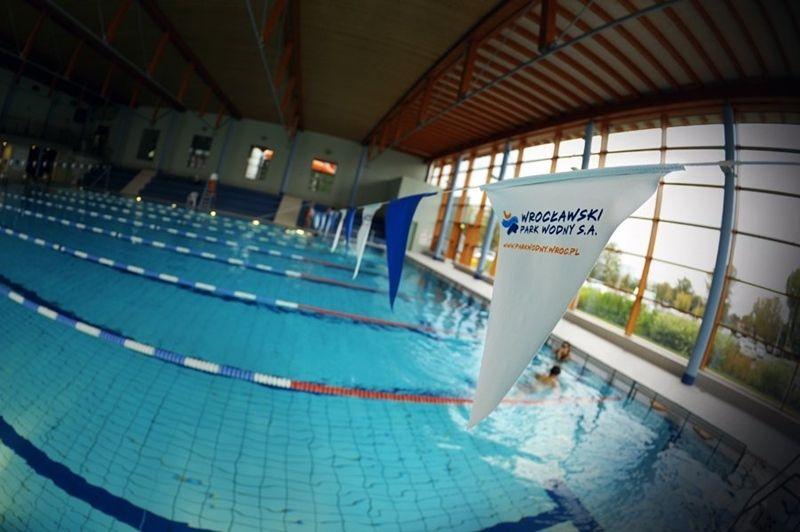 Z basenu rekreacyjnego za darmo będzie można przejść na sportowy