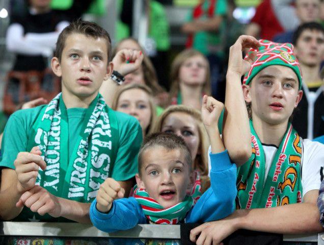 Najmłodsi kibice stworzyli fantastyczną atmosferę na stadionie. Czy uda się teraz przyciągnąć studentów?