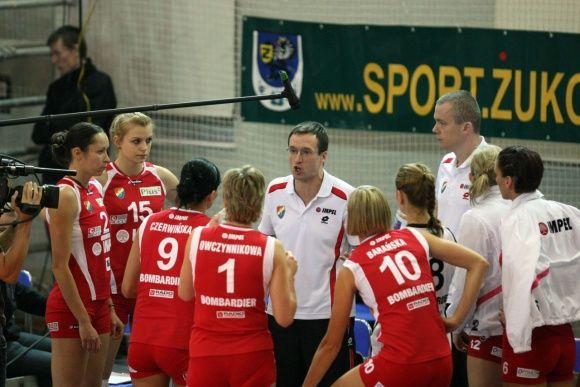 Po zwycięstwie w Żukowie podopieczne trenera Błaszczyka w kolejnym spotkaniu musiały uznać wyższość zawodniczek z Mielca.