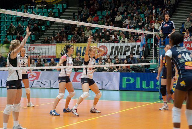 Zdobycie już jednego punktu w pojedynku z Centrostalem pozwoli zespołowi Gwardii na awans na ósme miejsce w tabeli PlusLigi Kobiet.