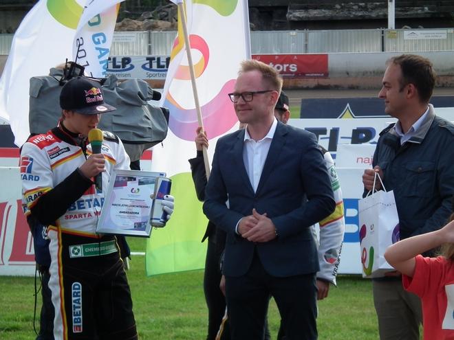 Żużlowiec Maciej Janowski (z lewej) został ambasadorem The World Games 2017