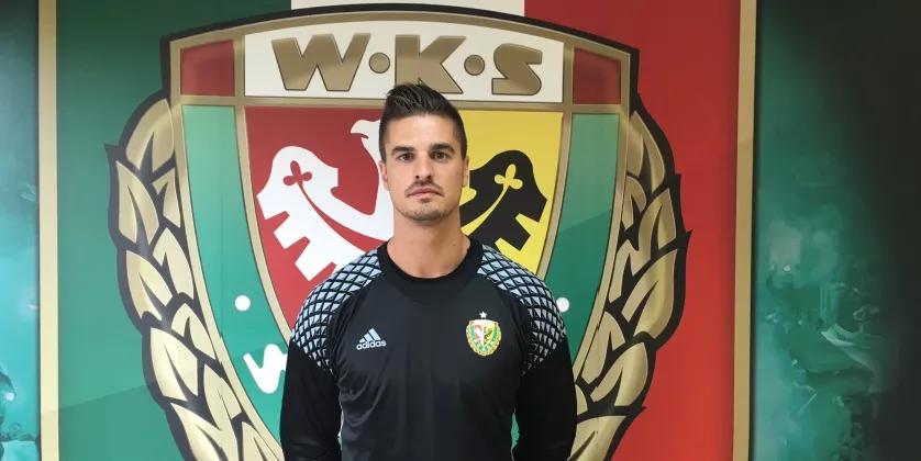 Bramkarz Lubos Kamenar to jak na razie jedyny wakacyjny transfer Śląska Wrocław