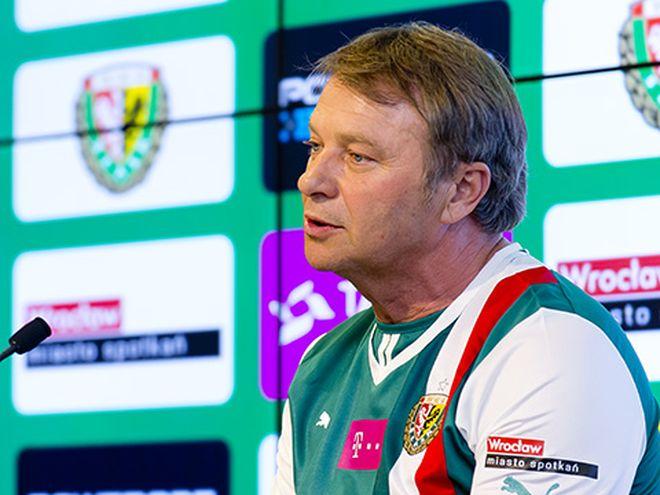 Trener Tadeusz Pawłowski potrzebował niecałe pół roku, aby tchnąć w Śląsk nowego ducha. W nowym sezonie poprowadzi zespół na podium?