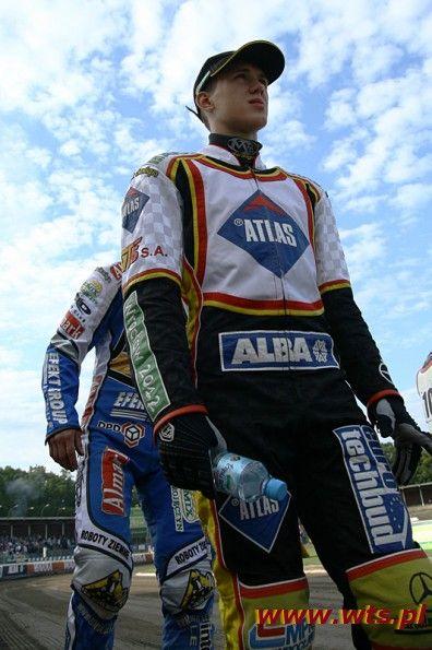 Logo firmy Atlas na plastronach wroclawskich żuzlowców zastąpi firma Betard.