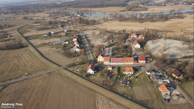 Trestno - widok z lotu ptaka, na dalszym planie Odra