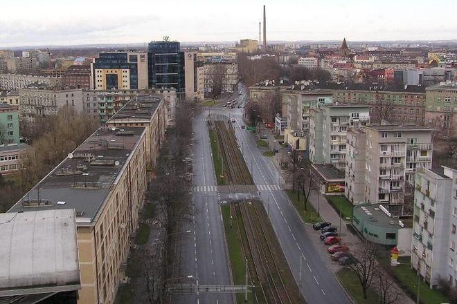Na tym fragmencie ulicy Piłsudskiego od środy kierowcy za postój będą musieli płacić
