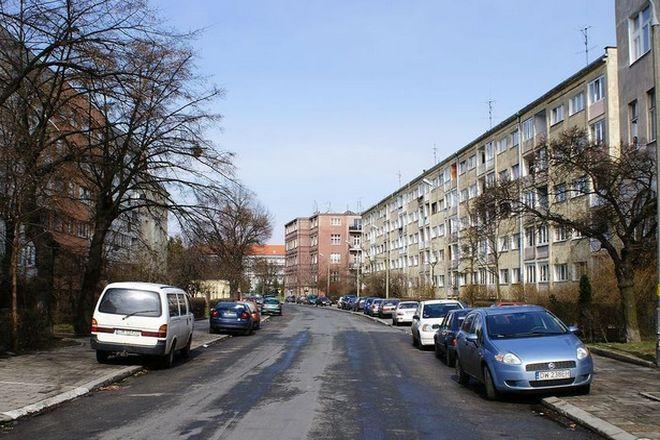 Na tych dwóch ulicach Wrocławia kierowcy będą musieli przymusowo zwolnić