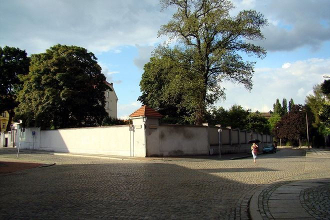 Skrzyżowanie ulic św. Marcina i Świętokrzyskiej. W tym rejonie autokary mogą parkować