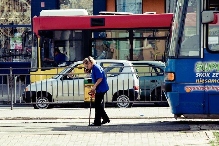 Autobusy i tramwaje będą kursowały częściej