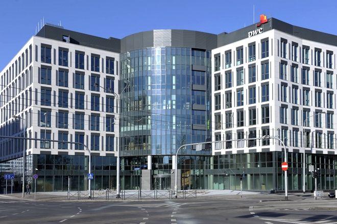 Władze Wrocławia przyznają, że pod względem liczby biur chcą przegonić Kraków