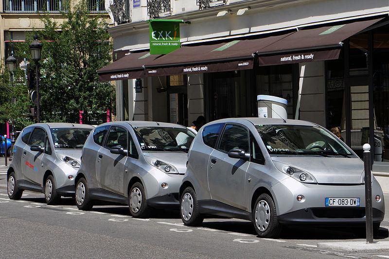 Wrocław chce stworzyć sieć wypożyczalni aut elektrycznych, podobną do tych działających m.in. w Paryżu