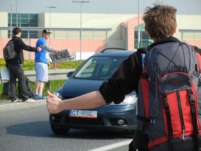 Bielany Wrocławskie. Zjazd na autostradę jest idealnym miejscem na polowanie autostopowiczów.
