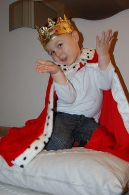 Na balu nie może zabraknąć króla.