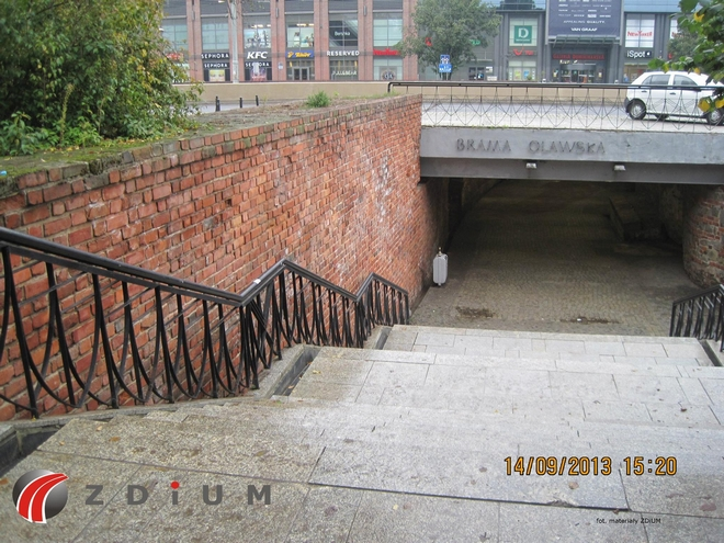 Lada moment powinien ruszyć remont schodów w przejściu podziemnym Brama Oławska