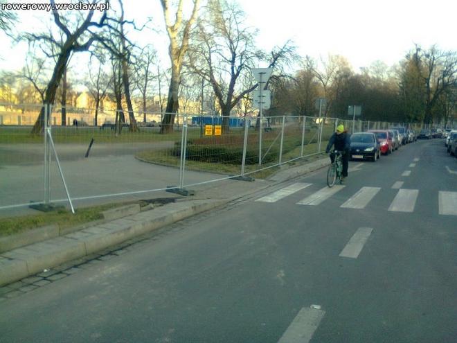 Rowerzyści od dawna domagali się wyznaczenia na ulicy Frycza-Modrzewskiego kontrapasa