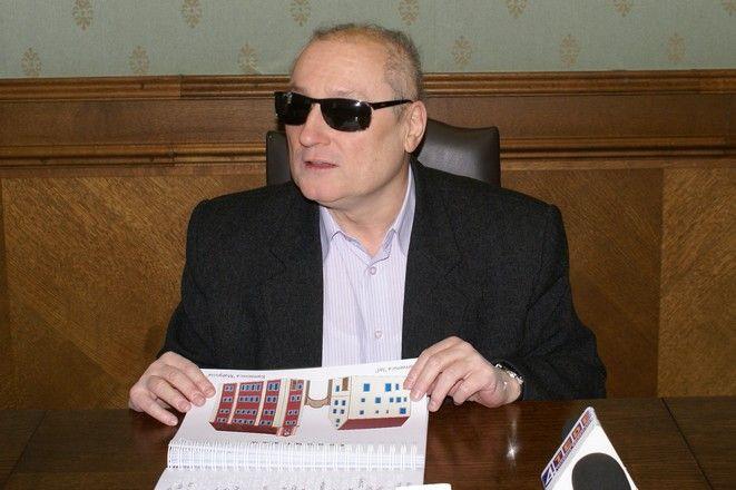 Marek Kalbarczyk to autor turystycznego przewodnika dla niewidomych