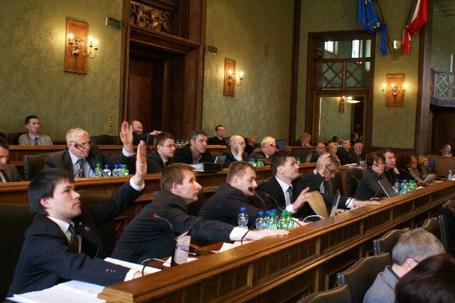 Radni stawili się na sesję w komplecie