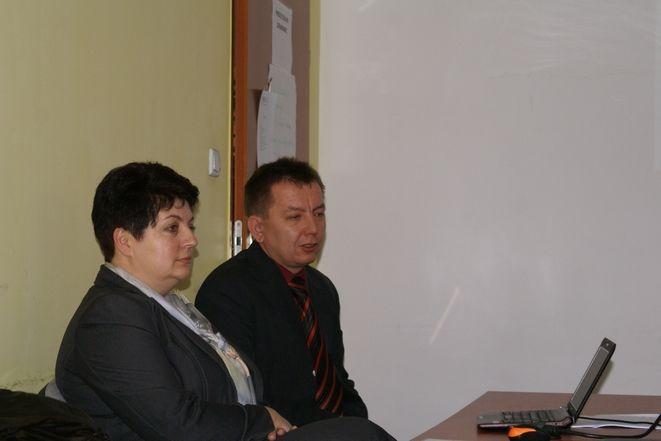 Dominik Golema i Beata Bernacka z Urzędu Miejskiego opowiadają o generatorze