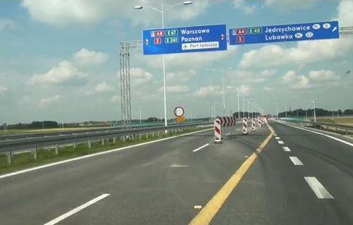 Na autostradzie trzeba liczyć się ze zwężeniami jezdni (zdjęcie ilustracyjne)