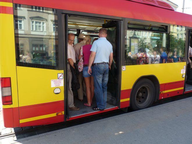 Od soboty autobusy linii 102 i 103 będą zaczynać i kończyć swoją trasę nie na placu Jana Pawła II,  ale na placu Solidarności
