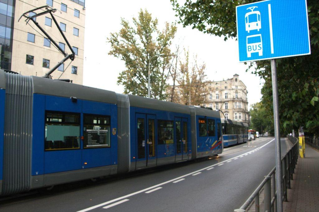 Od 1 kwietnia 2012 r. torowiska w obie strony na Podwalu będą wydzielone