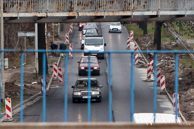 Kolejny weekend z rzędu kierowcy w rejonie Korony muszą liczyć się z utrudnieniami w ruchu