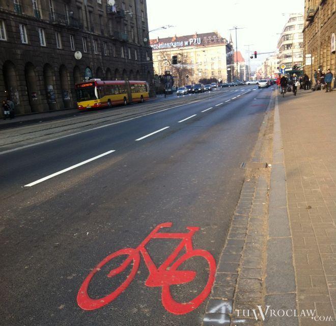 Dzięki nowym znakom kierowcy mają baczniej zwracać uwagę na rowerzystów