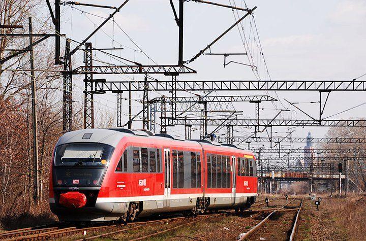 Istnieje możliwość opuszczenia pociągu na Dworcu Wrocław Nadodrze, gdzie będzie czekał bus, który przewiezie Was z powrotem na Dworzec Główny.
