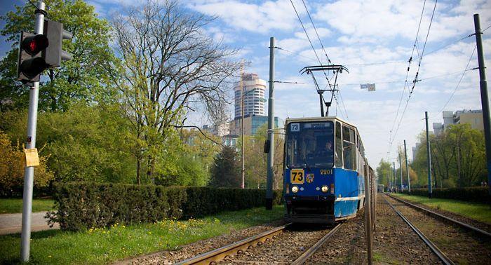 Najstarsze stopiątki, takie jak na zdjęciu, to kolejne modele tramwajów, których pozbędzie się MPK