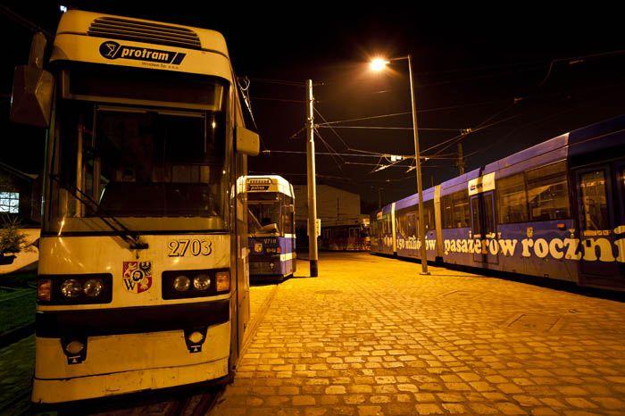 Po 23 tramwaje mają stać na zajezdniach i nie pojawiać się na torach przed 5 rano.