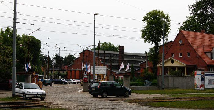 Zajezdnia Dąbie przy ul. Wróblewskiego może nie przetrwać do 2012 roku. Władze spółki chcą ją zlikwidować - dla oszczędności.