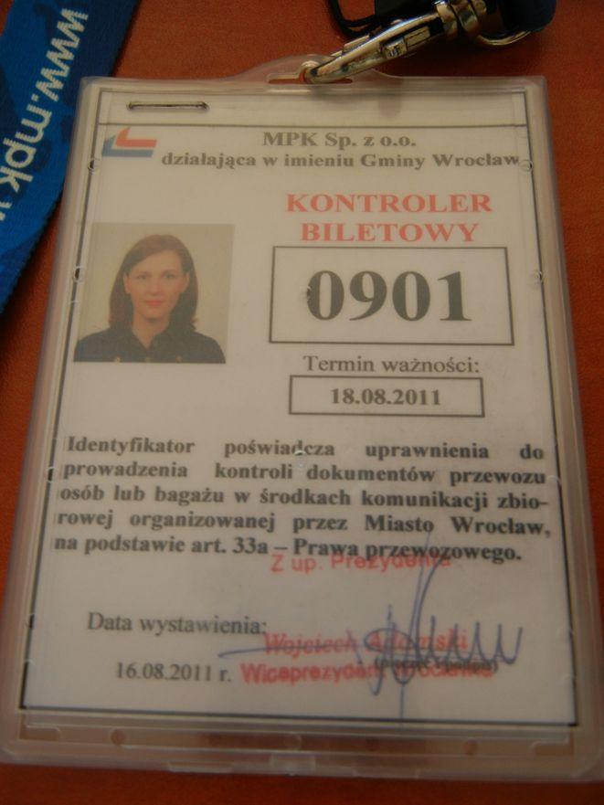 Legitymacja kontrolera MPK. Żeby ją zdobyć musiałam przebrnąć przez szkolenie, kilka ustaw i innych dokumentów.