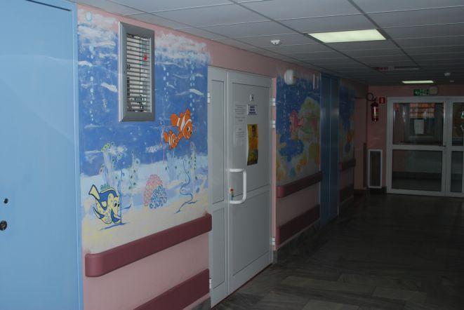Zmienione szpitalne korytarze.