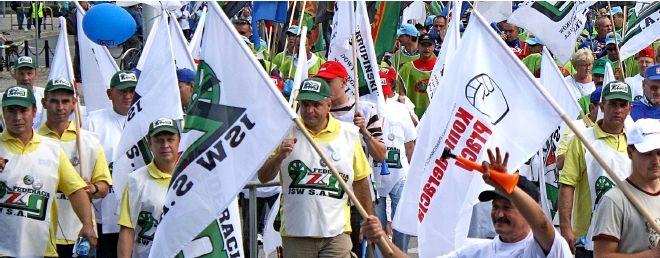 Manifestanci będą protestować m.in. przeciw umowom śmieciowym
