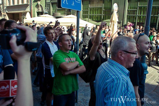 Na początku października NOP-owcy sprzeciwiali się organizowanemu w Rynku marszowi tolerancji