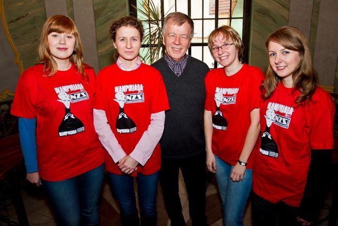 Akcję zbierania krwi od lat wspiera profesor Jan Miodek