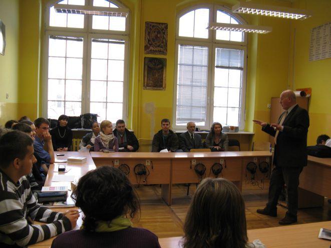Projektant spotkał się z uczniami IX LO we Wrocławiu.