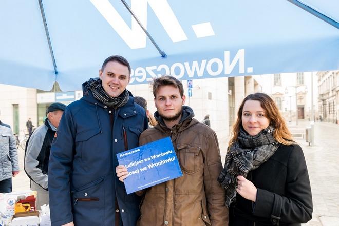 Studiujesz we Wrocławiu? Głosuj we Wrocławiu – zachęcają przedstawiciele Nowoczesnej Ryszarda Petru
