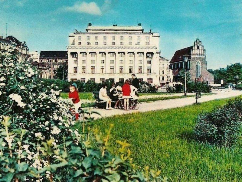 Plac Wolności w latach 60. XX wieku