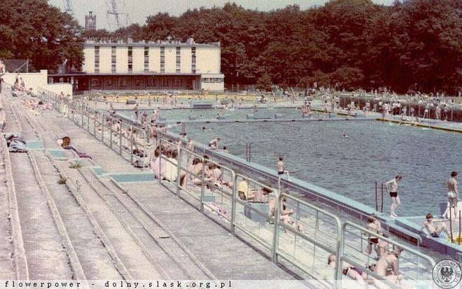 Basen Olimpijski w 1979 roku - jeszcze czynny. Zdjęcie z archiwum Andrzeja Januszkiewicza.
