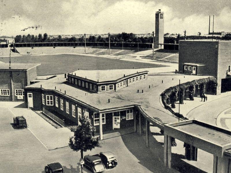 Widok na pergolę, stadion i wieżę - II połowa lat 30.