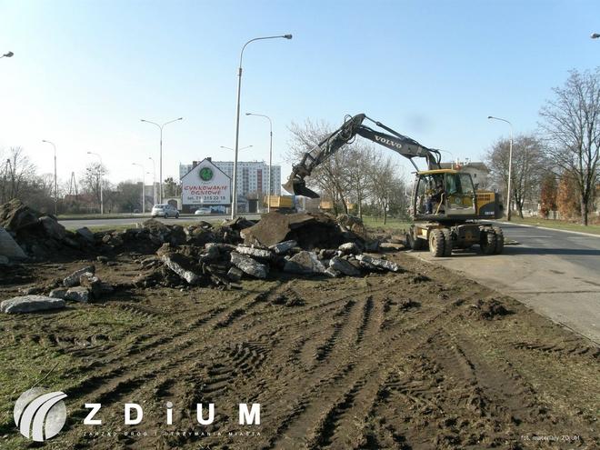 Przy dworcu kolejowym na Psim Polu powstaje nowy parking dla samochodów