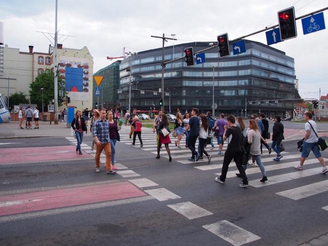 Stowarzyszenie Akcja Miasto zaprezentowało dziś raport o ruchu pieszym we Wrocławiu