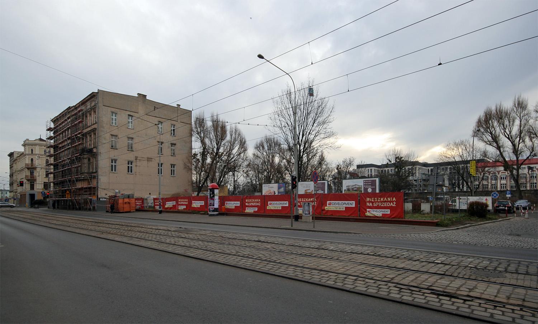 Tuż przy kamienicach stanie nowy budynek, w którym znajdzie się około setka mieszkań