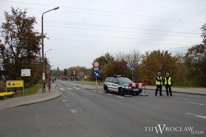Policja: Dzień Wszystkich Świętych na Dolnym Śląsku minął spokojnie i bezpiecznie
