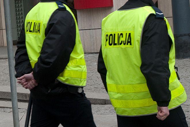 Policjanci przechytrzyli złodzieja, który na ich oczach skradł luksusowy telefon za 2 tysiące złotych