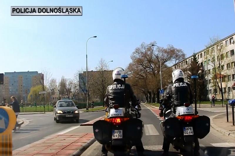 Policjanci Wydziału Ruchu Drogowego z Wrocławia już rozpoczęli służbę na motocyklach
