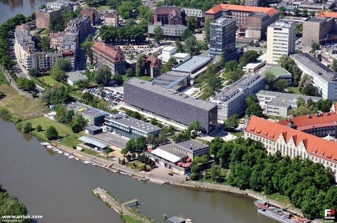 Kampus Politechniki Wrocławskiej z lotu ptaka