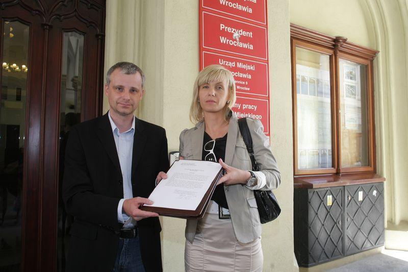 Piotr Babiarz (PiS) i Renata Granowska (PO) złożyli dziś wniosek o jawność głosowań